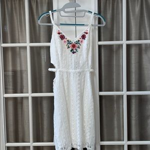 NWT Hollister White Lace Dress w/ Flower Details